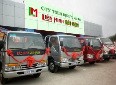 Xe tải chở hàng tại quận 4