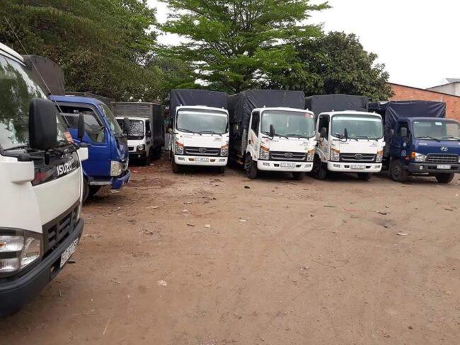 Xe tải chở hàng liên minh sài gòn